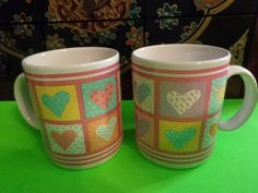 Vintage Set of 2 Heart Quilt Pattern Coffee / Tea Mugs /Cups Mint New Pretty!!