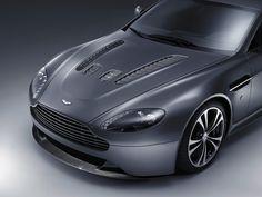Latest Amazing Aston Martin V Vantage Car