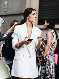 Le Fashion: Blazer Dresses Are Every It Girl's Solution to What to Wear Casual Chic, Style Casual, Casual Outfits, Unique Outfits, Moda Fashion, Star Fashion, Womens Fashion, Fashion Tips, Fashion Ideas