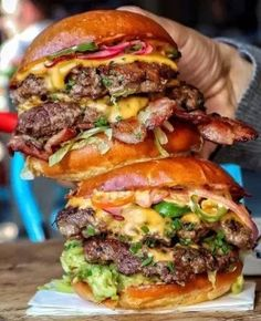 IT'S WHATS FOR DINNER! – OUTRAGEOUS BURGERS – 30+ HD FOOD PHOTOS – LEWD FOODS I Love Food, Good Food, Yummy Food, Healthy Food, Dinner Healthy, Healthy Eating, Beste Burger, Gourmet Burgers, Burger Food