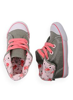 I want shoes like this for my baby girl! Shop Pumpkin Patch, America's favorite quality fashion kids clothing brand, available online Baby Girl Shoes, My Baby Girl, Baby Love, Girls Shoes, Little Girl Fashion, My Little Girl, Kids Fashion, Little Girl Shoes, Outfits Niños