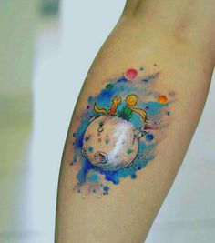 Again, don't know the little prince and its a fox, not a dog, just like the space concept and the colors. Time Tattoos, Body Art Tattoos, Cool Tattoos, Tatoos, Little Prince Tattoo, Little Prince Fox, Prince Tattoos, Aquarell Tattoo, Creative Tattoos