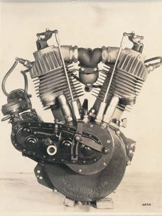 Harley Davidson V-twin engines have been around almost as long as their motorcycles. V-twins get their name from the distinctive V-shape formed by the angle between their two opposing cylinders. Harley Davidson introduced their first V-twin in Moteurs Harley Davidson, Harley Davidson History, Harley Davidson Engines, Harley Davidson Motorcycles, Harley Bikes, Antique Motorcycles, American Motorcycles, Motor Engine, Motorcycle Engine