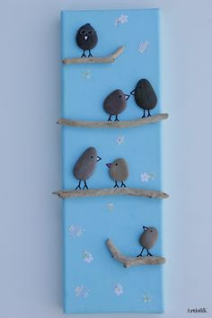 Tableau galets oiseaux bois flotté arbre généalogique dessin humoristique bleu : Décorations murales par artistik