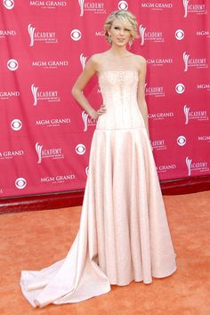 May 15 2007 Taylor Swift in a pale pink gown at the Country Music Awards in Nevada.