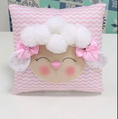 Creative Make A Pillow Or Cushion Ideas. Awe-Inspiring Make A Pillow Or Cushion Ideas. Cute Pillows, Baby Pillows, Kids Pillows, Pom Pom Crafts, Felt Crafts, Diy And Crafts, Love Sewing, Baby Sewing, Room Deco