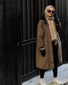 Muslim Fashion, Modest Fashion, Fashion Outfits, Womens Fashion, Hijab Trends, Hijab Fashionista, Modest Wear, Hijab Chic, Mode Hijab