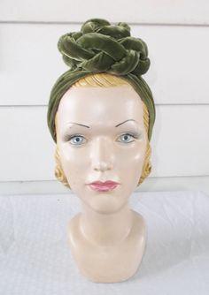 30s 40s Vintage Green Velvet Turban Hat by MyVintageHatShop