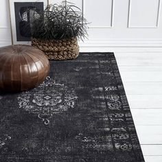 Round leather pouffe in antique brown Black And Grey Rugs, Dark Grey Rug, White Rugs, Decor Home Living Room, Mirror With Shelf, Healthy Lifestyle Changes, Dark Walls, Beige Carpet, Healthy People 2020