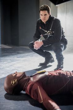 """#TheFlash S3 Ep 16 """"Into the Speed Force"""" Recap & Review http://www.sueboohscorner.com/new-blog/the-flash-s3-ep-16-into-the-speed-force-recap-review3152017"""