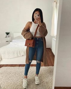 discover all our jewels and get discount 💖🥰 Source by paeleckelena casual outfits Teenage Outfits, Winter Fashion Outfits, College Outfits, Look Fashion, Fashion 2020, Trendy Fashion, Cute Casual Outfits, Stylish Outfits, Casual Ootd