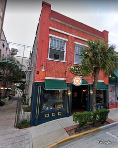 And there is a Palm Tree right in front of Deland's Boston Coffeehouse. Deland is in NE FL close to beaches and Orlando. Image is from Google Map.