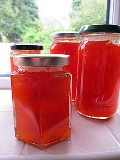 A little bit of heaven on a plate. Grapefruit Marmalade, Grapefruit Recipes, Marmalade Recipe, Pink Grapefruit, Making Marmalade, Citrus Recipes, Drink Recipes, Recipe For Homemade Jelly, Gourmet