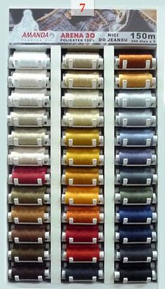Fabryka nici Amanda - profesjonalne szafki ekspozycyjne z pełną paletą barw