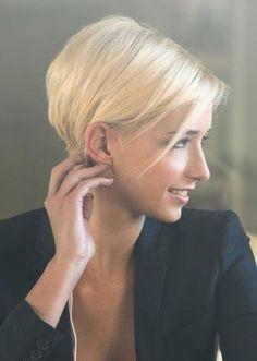 Dein Haar ist so fein, dass Du nicht weißt, was Du damit anfangen sollst? Diese 11 schmeichelnden Kurzhaarfrisuren zeigen, was möglich ist! - Neue Frisur