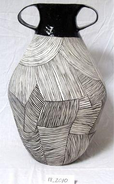 ceramic jug by Louise-Gelderblom (veniceclayartists) Ceramic Pots, Ceramic Clay, Ceramic Pottery, Pottery Art, Cerámica Ideas, Keramik Design, Sculptures Céramiques, Art Diy, Tadelakt