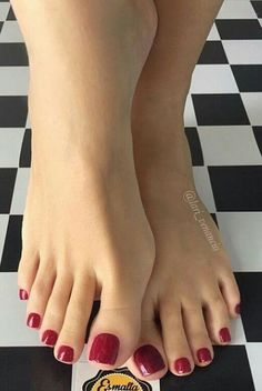 emai long toes