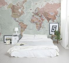 World map wallpaper - http://www.interiordesign2014.com/other-ideas/world-map-wallpaper/