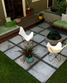 Simple and fresh small patio design ideas 04