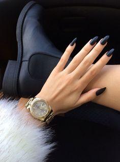 long matte black nails :: zazumi.com