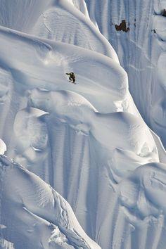 Snowboard-Photo-John-Jackson-Art-of-Flight-Alaska-by-Scott-Serfas