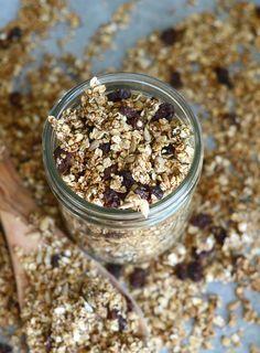Sugar-Free Cinnamon Raisin Granola - Healthy, super easy to make, vegan, gluten-free, nut-free. No added sugar.
