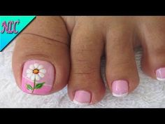 Decoración de uñas Flor muy fácil de realizar - Flowers Nail Art - NLC - YouTube French Pedicure, Pedicure Nail Art, Toe Nail Art, Pedicure Designs, Toe Nail Designs, Summer Toe Designs, Cute Pedicures, Pretty Toe Nails, Blue Acrylic Nails