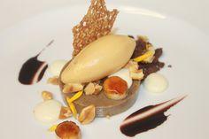 Espresso Custard, Condensed Milk, Brulee Banana, Chocolate Soil, Hazelnut Ice Cream, Salted Toasted Peanut, Crocante | Flickr: Intercambio de fotos