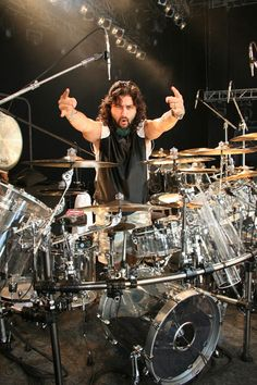 Drummerworld: Mike Portnoy ~ Music groups: Dream Theater, The Winery Dogs, Transatlantic, More