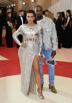 "Kim Kardashian Photos Photos - Kim Kardashian West (L) and Kanye West attend the ""Manus x Machina: Fashion In An Age Of Technology"" Costume Institute Gala at Metropolitan Museum of Art on May 2, 2016 in New York City. - 'Manus x Machina: Fashion In An Age of Technology' Costume Institute Gala - Arrivals"