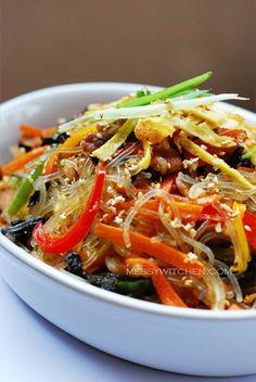 Japchae - Korean Glass Noodles With Stir-Fry Vegetables & Meat - Messy Witchen Korean Dishes, Korean Food, Korean Bbq, Chapchae Recipe, Asian Recipes, Healthy Recipes, Ethnic Recipes, Filipino Recipes, Korean Glass Noodles