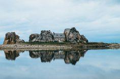 fairycastle:  Plougrescant / Bretagne: La Maison du Gouffre -...