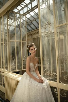 Berta Bridal: 2016 S/S - 07 Strapless Sweetheart Neckline With Deep Plungng Split Bodice A Line Wedding Ball Gown Dress