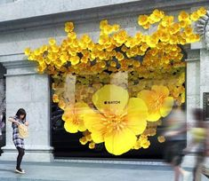 "SELFRIDGES,London,UK, ""Apple takes over the windows to promote the Apple Watch"",… – Expolore the best and the special ideas about Store window displays Window Display Design, Shop Window Displays, Store Displays, Retail Displays, Display Windows, Visual Merchandising Displays, Visual Display, Vitrine Design, Store Windows"