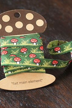 This is super cute Jacquard Ribbon Trim, perfect for decorating your tote, clothes or any other hand…
