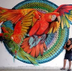 Farid Rueda with his work. (LP)