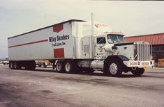 Story is these trucks of them) were ordered for use in the oil fields but never delivered. Converted to highway tractors; Heavy Duty Trucks, Big Rig Trucks, Semi Trucks, Cool Trucks, Cool Cars, Model Truck Kits, Truck Transport, Kenworth Trucks, Busse