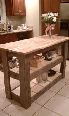 Kitchen island made from 'upcycled' barn wood. so purrty! Funny Home Decor, Cute Home Decor, Cheap Home Decor, Home Decor Items, Home Decor Accessories, Bathroom Accessories, Home Decor Online, Home Decor Outlet, Home Decorators Rugs