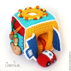 Развивающие игрушки ручной работы. Ярмарка Мастеров - ручная работа. Купить Развивающий кубик с машинкой. Handmade. Красный, разноцветный