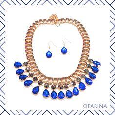 Collar Azul de Gotas en Oparina
