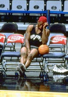 Denis Rodman, Lebron James Wallpapers, Kobe Bryant Pictures, Basketball Baby, Michael Jordan Basketball, Nba Pictures, Basketball Photography, Sports Images, Sports Wallpapers