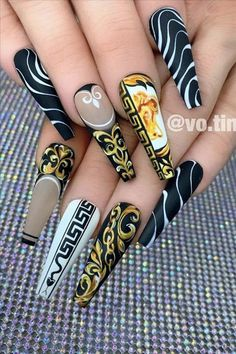 Inspire by the new Versace spacial pattern ——————————————————————————— using pr. Bling Acrylic Nails, Best Acrylic Nails, Gel Nails, Coffin Nails, Gorgeous Nails, Pretty Nails, Gucci Nails, Glamour Nails, Cute Acrylic Nail Designs