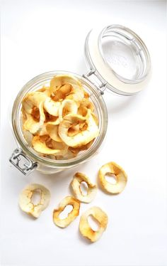 tørkede epler Peanut Butter, About Me Blog, Diy, Food, Do It Yourself, Bricolage, Essen, Handyman Projects, Diys