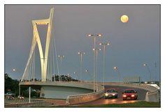 Puente de la Américas, acceso a Montevideo desde la costa este, Uruguay.