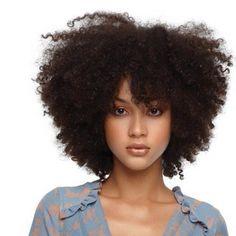 #natural hair (and I loooooove her makeup!)