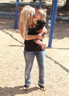 Chelsea Houska is my fashion Idol! I love her hair and her style! And her daughter is adorable.
