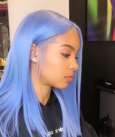Baddie Hairstyles, Pretty Hairstyles, Maquillage Cut Crease, Hair Colorful, Colorful Lace Front Wigs, Blue Lace Front Wig, Blonde Lace Front Wigs, Curly Hair Styles, Natural Hair Styles