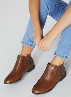 84d8619626277 Wide Fit Tan  Moon  Chelsea Boots. Chelsea Stiefel ...