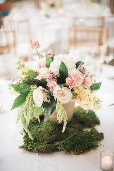 Photographer: Eli Turner Studios; chic wedding centerpiece idea