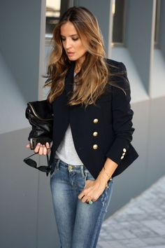 Pair your blazer with a basic tee and jeans for a laidback look! Bonus points for voluminous waves!